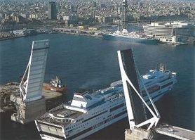 Barcellona ponte 1 novembre nave hotel punto nel mondo for Villaggi vacanze barcellona